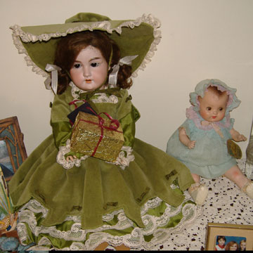 Armand Marseille 390 doll with little composition Horsman Art doll